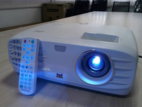 Viewsonic Px747 4k Projector Review 7review