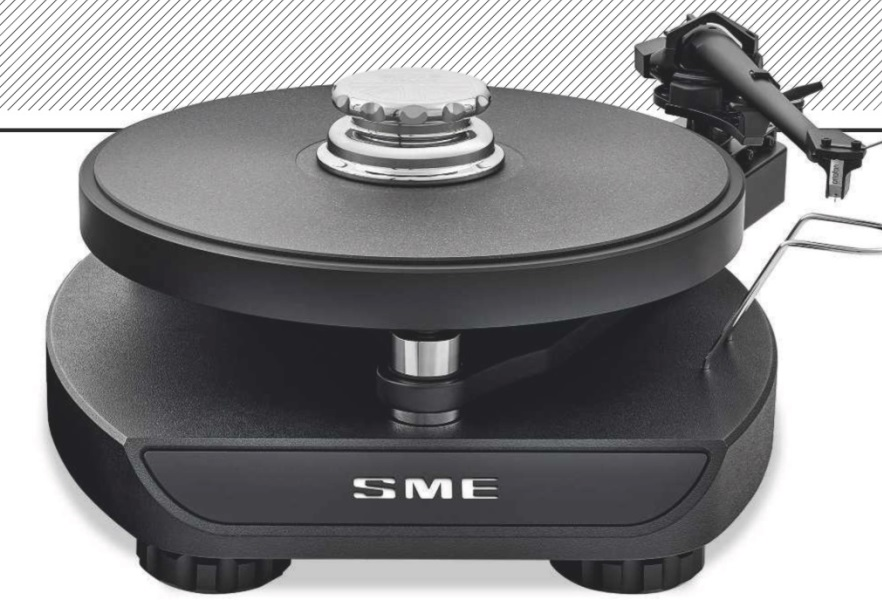 LEFT: Unlike most high-end turntables, 'compact' is the watchword here. The Synergy is essentially a two-tier design of base and subchassis with isolation between, plus a tonearm that's a variant of the Series IV